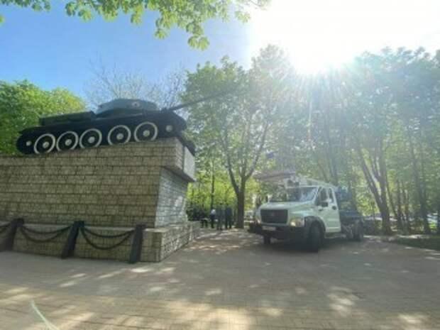 Шапша прокомментировал осквернение танка на Московской площади