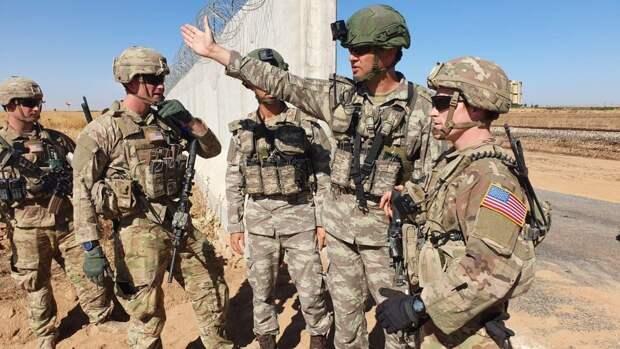 Боевики обстреляли колонну военных США, пытавшихся добраться до границы Ирака на востоке Сирии