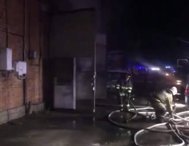В Краснодаре сгорел склад