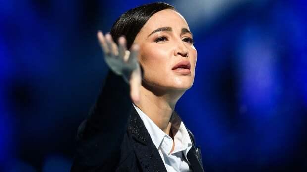 Бузова рассказала, почему расплакалась из-за оценок на «Ледниковом периоде»