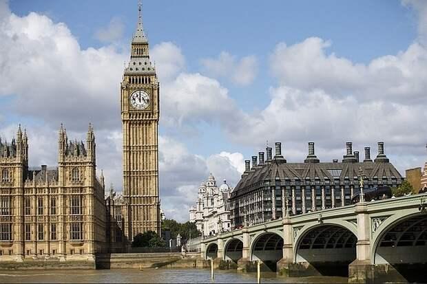 Переболевшим коронавирусом британцам предложили повторно заразиться за деньги