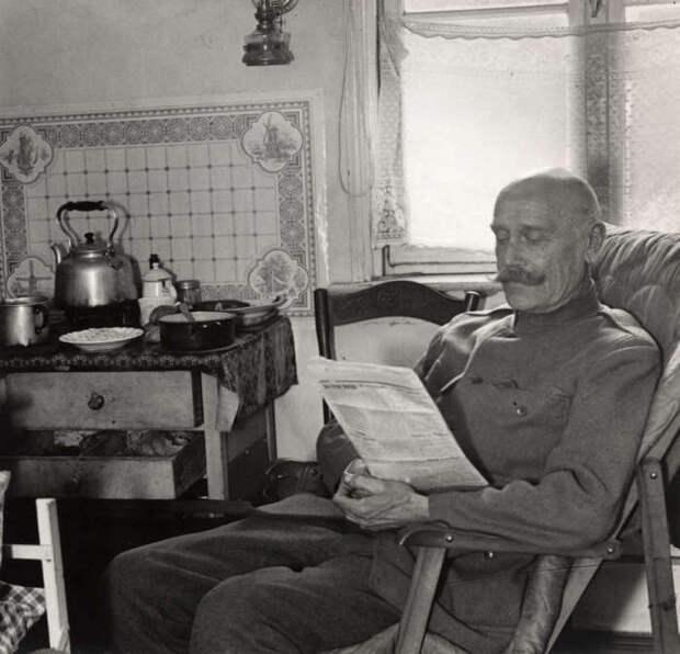 Правдивые фотографии из жизни русских эмигрантов в Европе в начале 1930-х годов