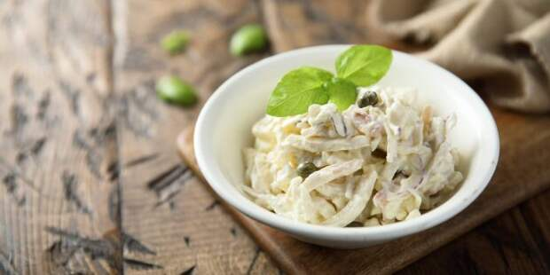 Рецепт салата из кальмаров и плавленого сыра