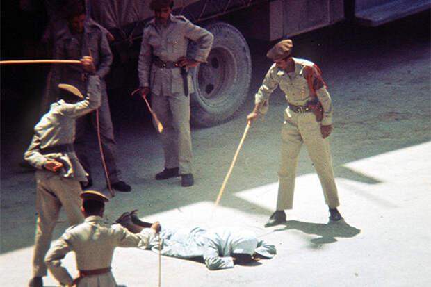 Как в Саудовской Аравии борются с колдунами, геями и алкоголиками