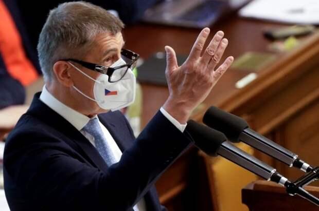 Премьер Чехии обвинил Европарламент во вмешательстве в дела страны