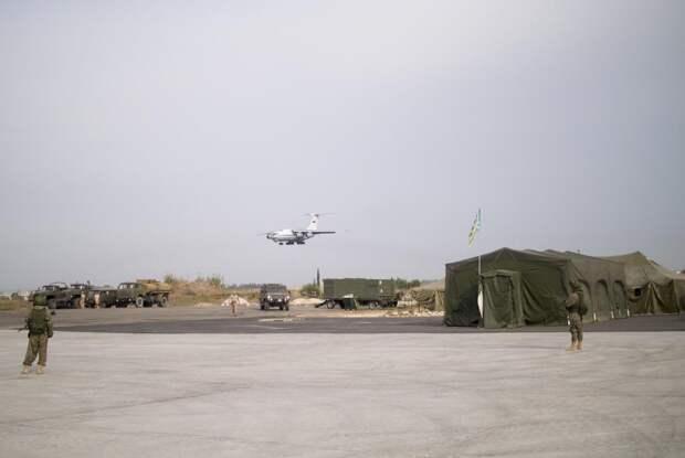 Avia.pro: после ЧП российскую авиабазу в Сирии стали вновь использовать