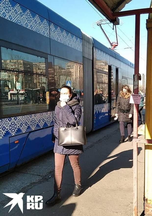 Киевлянка: теперь у донецких и паспорта российские, и «Спутник», и даже деньги родне в Киев шлют