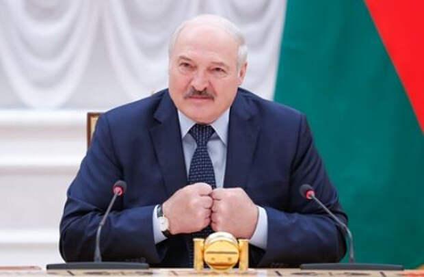 Нежелание Лукашенко размещать российские базы в Белоруссии объяснили
