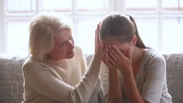 Сватья думает, что в разводе виноват зять, а на самом деле – ее дочь: «Надо сказать ей правду»