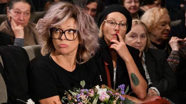 """Инна Чурикова поддержала решение Ольги Дроздовой об уходе из театра """"Современник"""""""