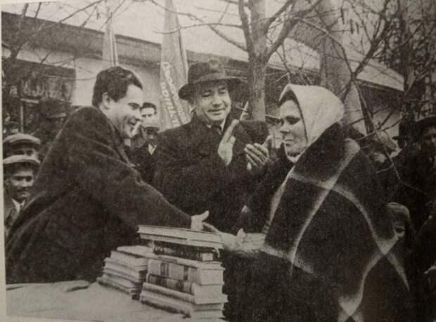 Как СССР создавал образованную и культурную Западную Украину