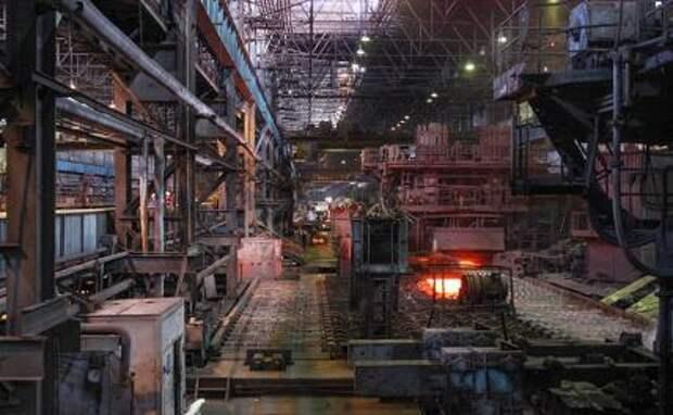 На фото: на Алчевском металлургическом комбинате (АМК)