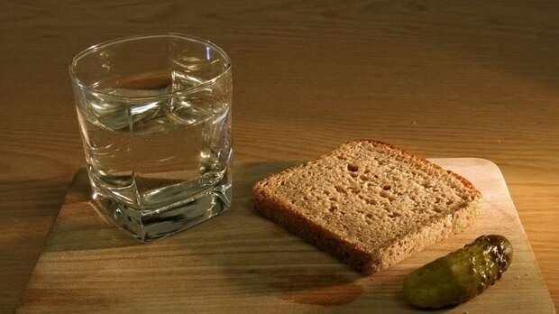 Химик Белков оценил возможность создания водки, не вызывающей похмелья