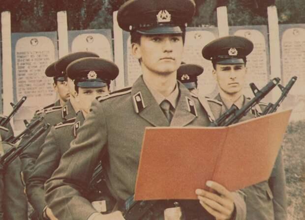 Аксёнов поздравил крымчан с Днём защитника Отечества