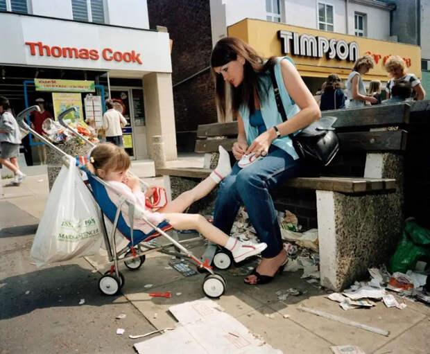 Как жил Ливерпуль вначале 80-х: откровенные фото скандального фотожурналиста Мартина Парра