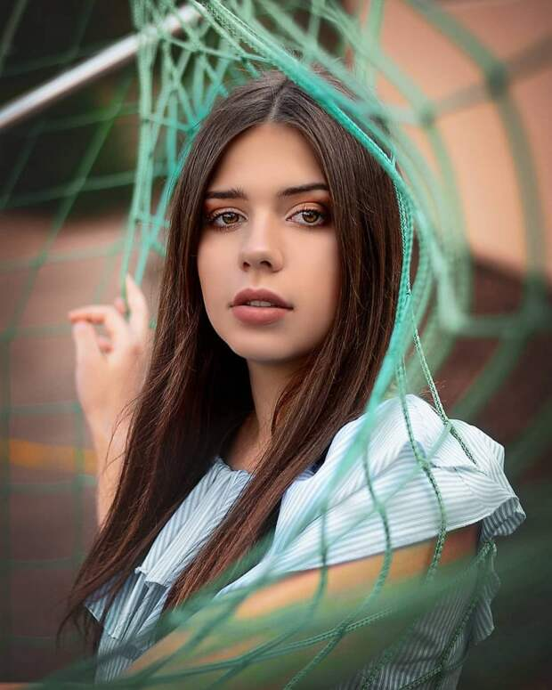 Чудесная женская портретная фотография Моны Стридер