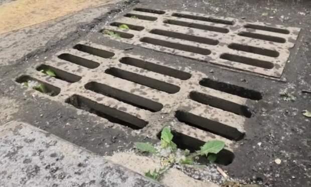 Двое мужчин задержаны в Иркутске по подозрению в краже решеток ливневой канализации
