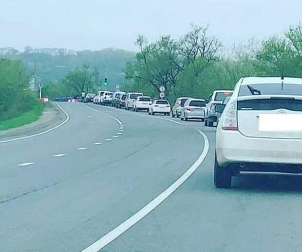 Все очень плохо: пробка в районе аварийного моста АртемГРЭС растянулась на километры