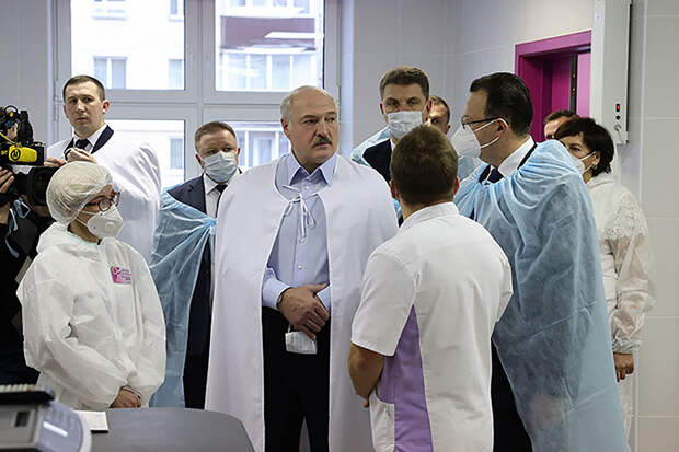 Лукашенко пообещал уйти с поста президента в случае принятия новой конституции