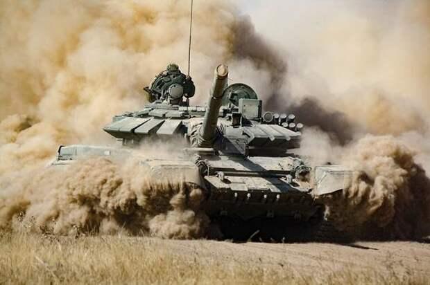 Ресурс Avia.pro: Минобороны Индии заявило о бесполезности российских Т-90 и Т-72 против китайских танков в горах