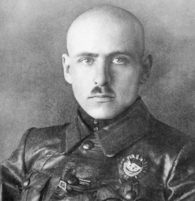 Командующий 51-й стрелковой дивизией, будущий Маршал Советского Союза В.К. Блюхер