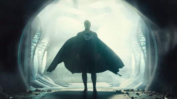 И лучше выдумать не мог: как «Лига справедливости Зака Снайдера» добивает кинотеатры и старый порядок