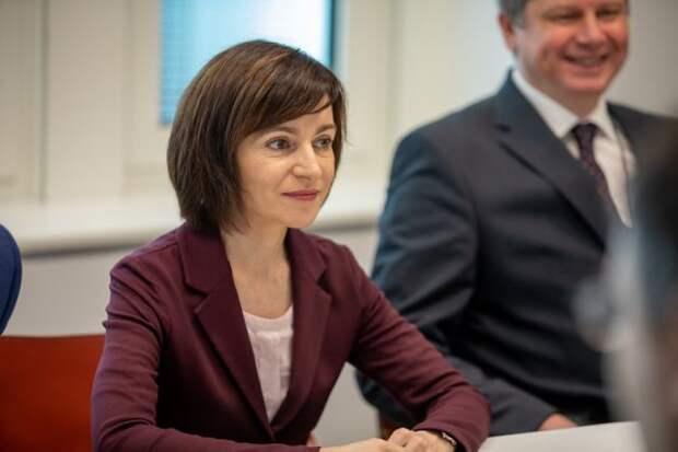 Санду обвинила парламент Молдавии в узурпации власти