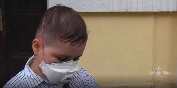 """Малыш не дожил до операции: Собранные деньги украл """"главный по детдомам"""""""
