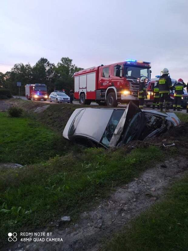 Пьяный украинец в Польше превратил в груду металла автомобиль, который намеревался купить
