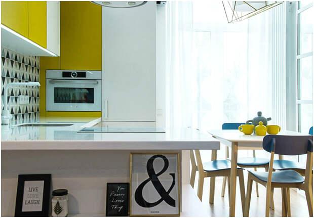 Маленькая кухня с жёлтым гарнитуром