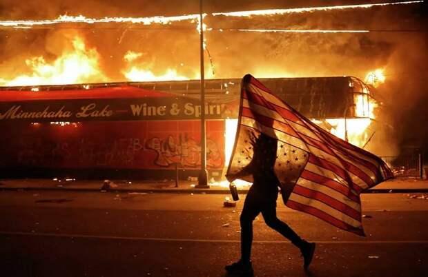 Беспорядки в США: «зеленые человечки» захватывают американские города