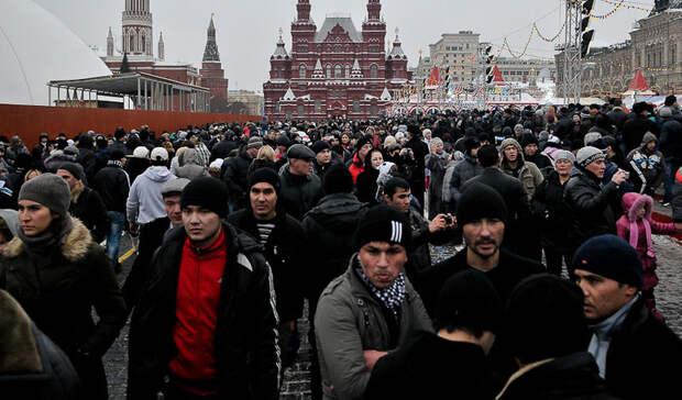 Количество иностранцев в Москве за год сократилось на 21%