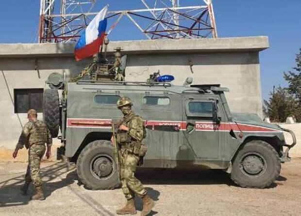 Трое российских военнослужащих пострадали при обстреле БТР в Идлибе