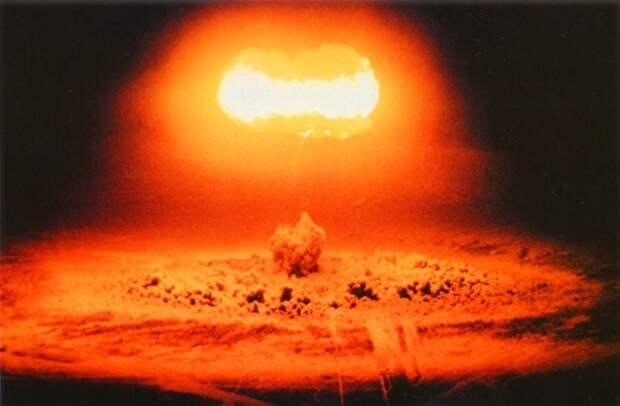 В РПЦ фразой «замечательное изобретение» охарактеризовали ядерное оружие