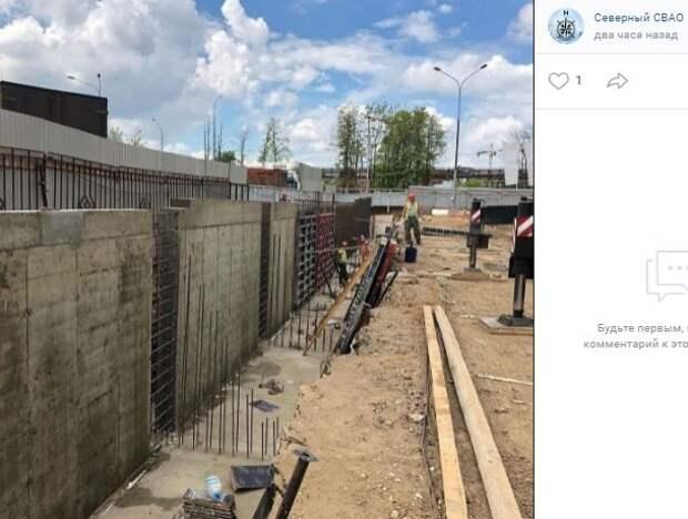 Фотокадр: на месте будущего пожарного депо в Северном растут подпорные стенки