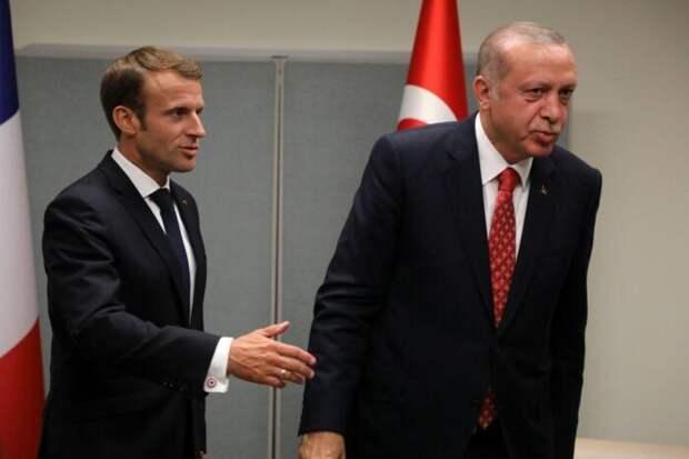 FT: Путин тестирует неуправляемость Эрдогана