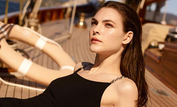 От пустынных дюн до Лазурного берега: лучшие летние коллекции макияжа