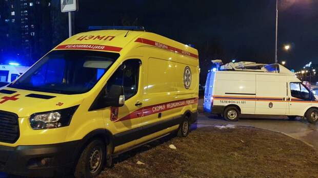 В Челябинске микроавтобус смял отечественную легковушку, есть жертвы