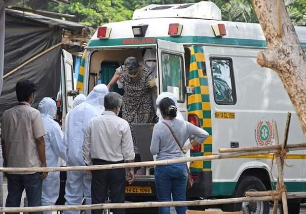 В Индии вновь выявили более 400 тысяч заразившихся коронавирусом за сутки