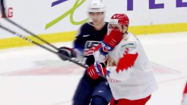 Американец грязно ударил русского хоккеиста локтем влицо. Подлый поступок Вальстрема наМЧМ: видео