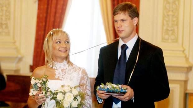 Какой была свадьба Радимова и Булановой. Редкие фото с торжества знаменитостей