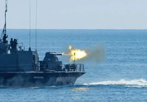 Учения ВМС НАТО у морских границ России. Источник изображения: https://rusvesna.su