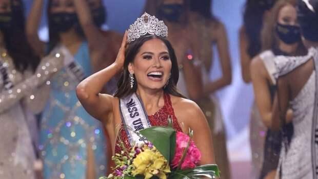 """Мексиканская красотка Андреа Меса стала """"Мисс Вселенная-2021"""""""