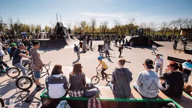 Скейт-парк в парке 300-летия Петербурга обновят к следующему лету
