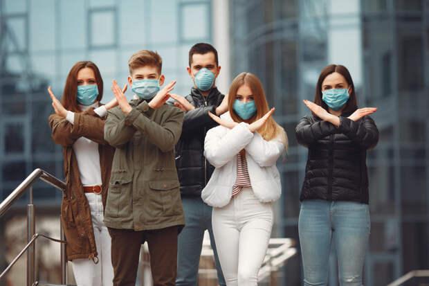 Медики рассказали, как вычислить больного COVID в толпе людей