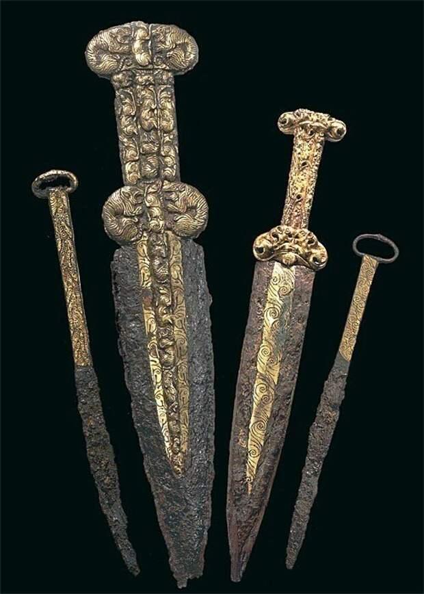 Скифские кинжалы и ножи с золотыми накладками, VI - V в.в. до н.э.