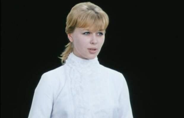 Ирина Азер в фильме «Внимание, черепаха!». / Фото: www.kino-teatr.ru