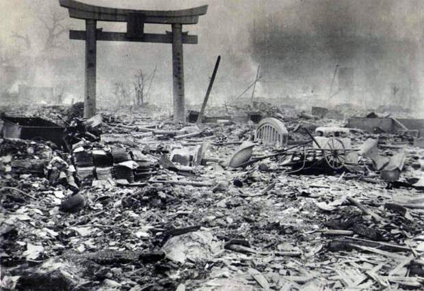 Какие авианалёты на Японию были страшнее бомбардировок Хиросимы и Нагасаки