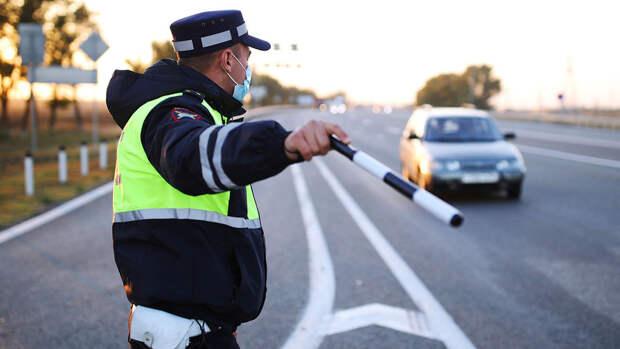 Юрист назвала случаи, когда водитель может не выполнять требования ДПС
