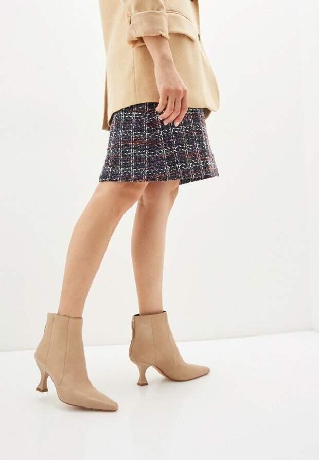 """Есть ли женственность в моде? Быть """"как девочка"""" в эпоху оверсайза и огромных кроссовок"""
